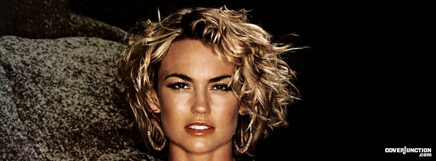 Kelly Carlson Facebook Cover